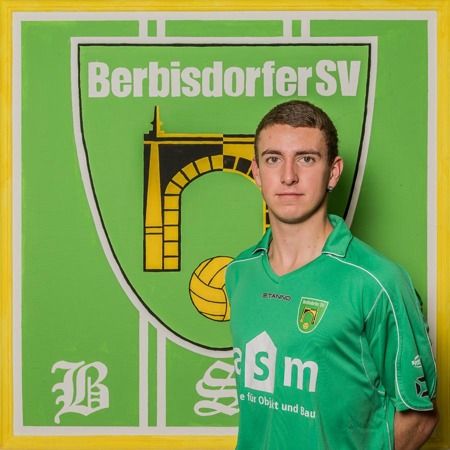 5 - Matthias Dressier